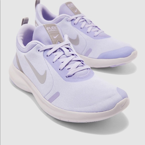 NWT Nike Women's Flex Experience RN 8 Shoes